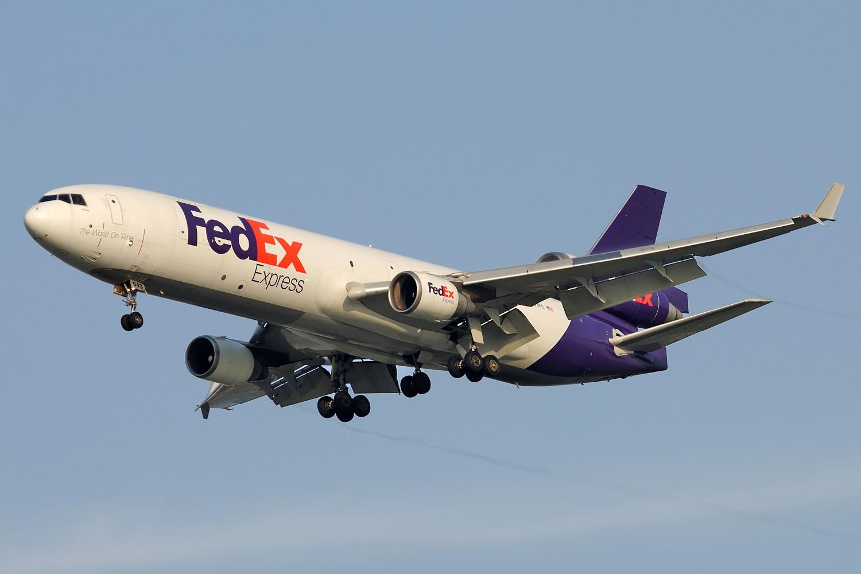 Re:[原创]【PVG】黄昏下美丽光线一组 MD-11 N643FE 中国上海浦东国际机场