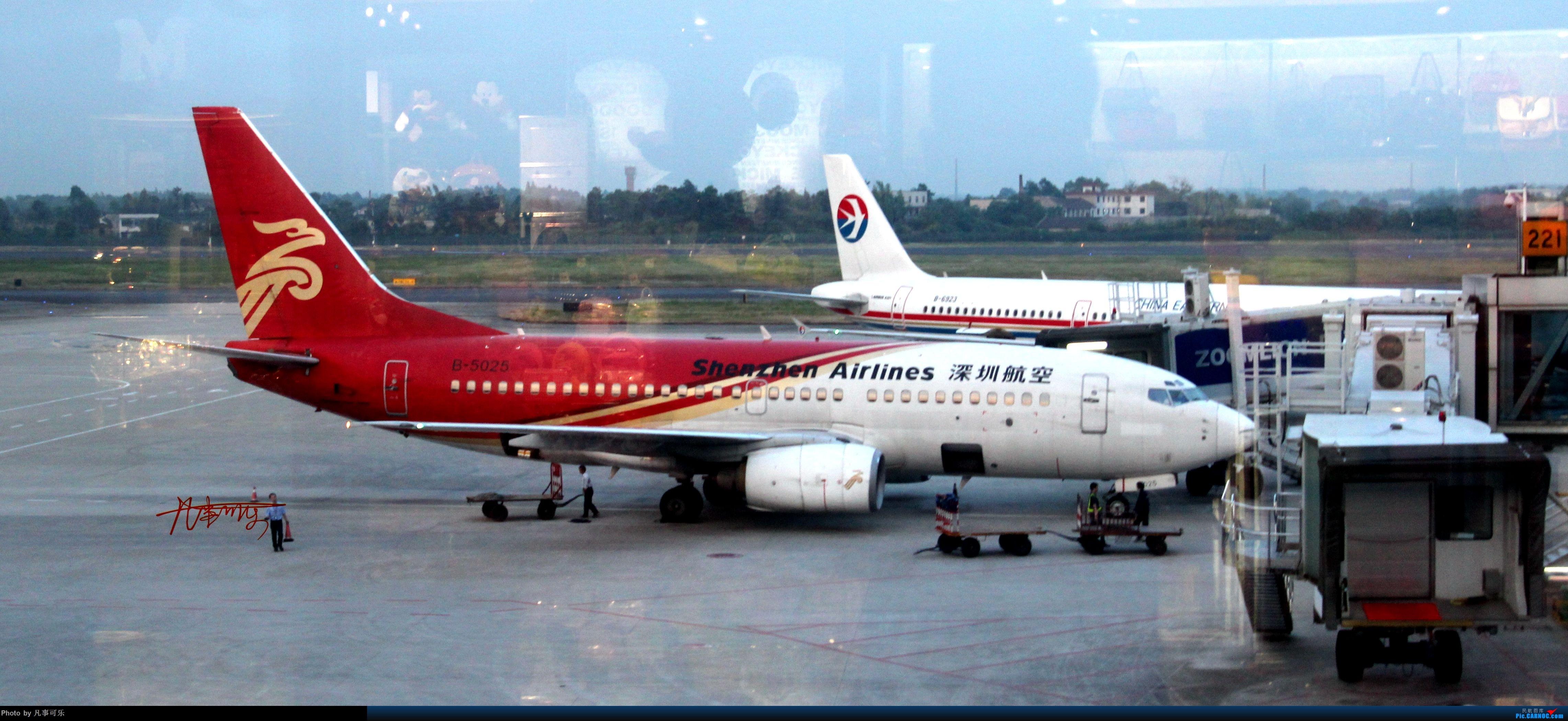 Re:[原创]这几年国内外拍的一些机 BOEING 737-700 B-5025 长沙黄花机场