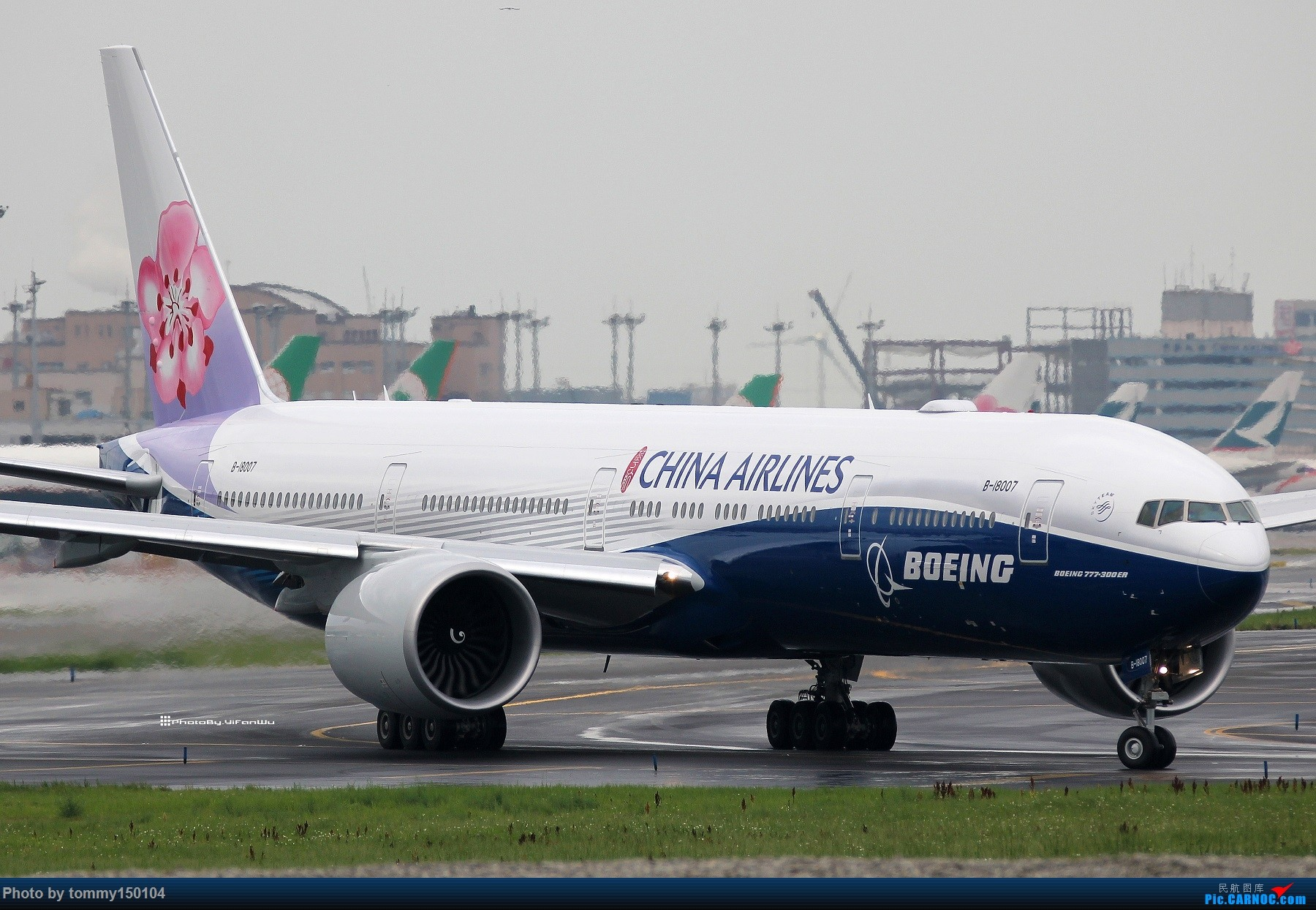 Re:Re:[原创]【TPE】台北桃園降落一組!(找廣州或上海飛友帶路~) BOEING 777-300ER B-18007 中国台北桃园国际机场
