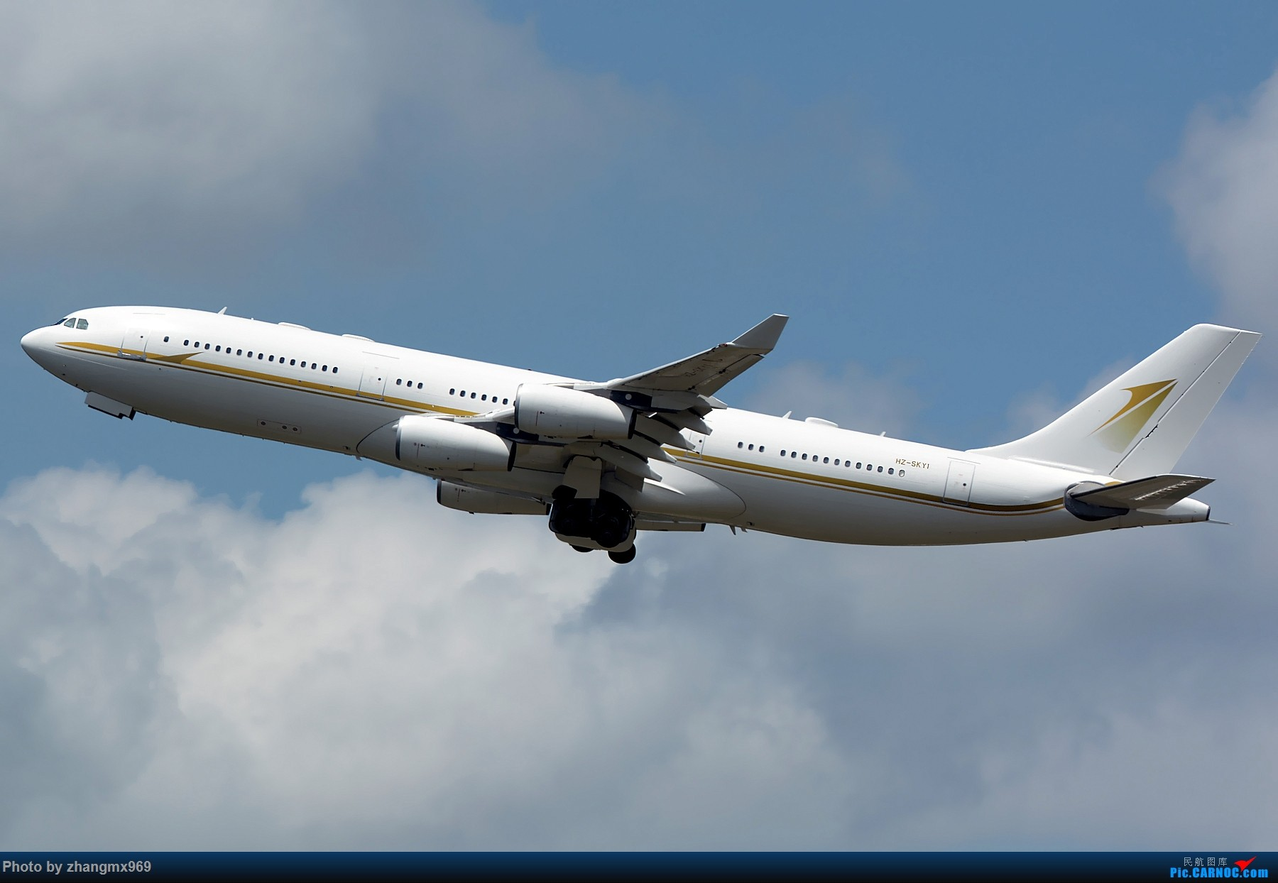 [一图党] A340-200 AIRBUS A340-200 HZ-SKY1 中国上海虹桥国际机场