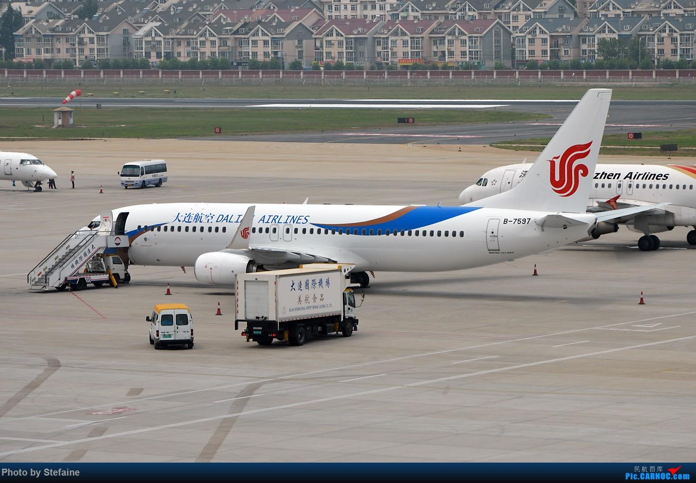 Re:[原创][DLC]偶遇响箭第九架飞机入队 BOEING 737-800 B-7597 中国大连国际机场