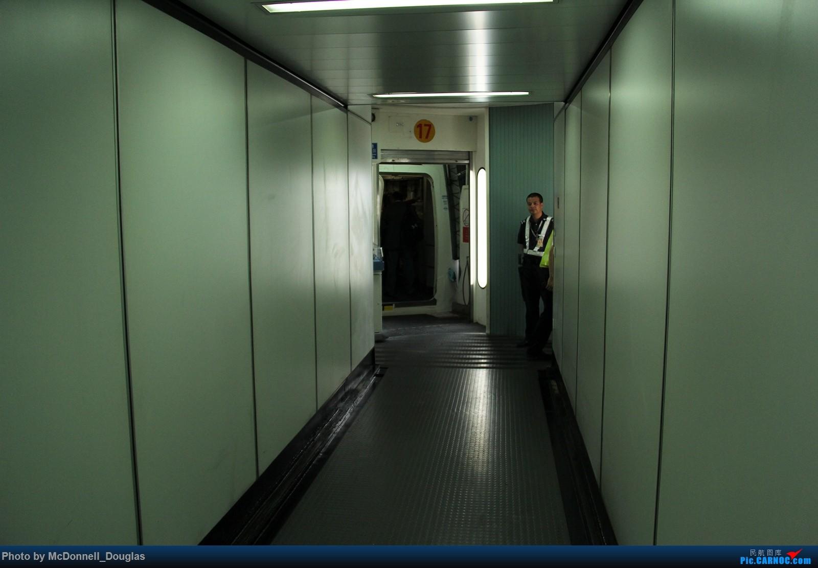 Re:[原创]【上海飞友会】图会很多,也有很多驾驶舱,杂七杂八的美帝,梦寐以求的圣马丁,这更绝不弃贴,前十个id砸飞机砸一个返一个    中国上海浦东国际机场