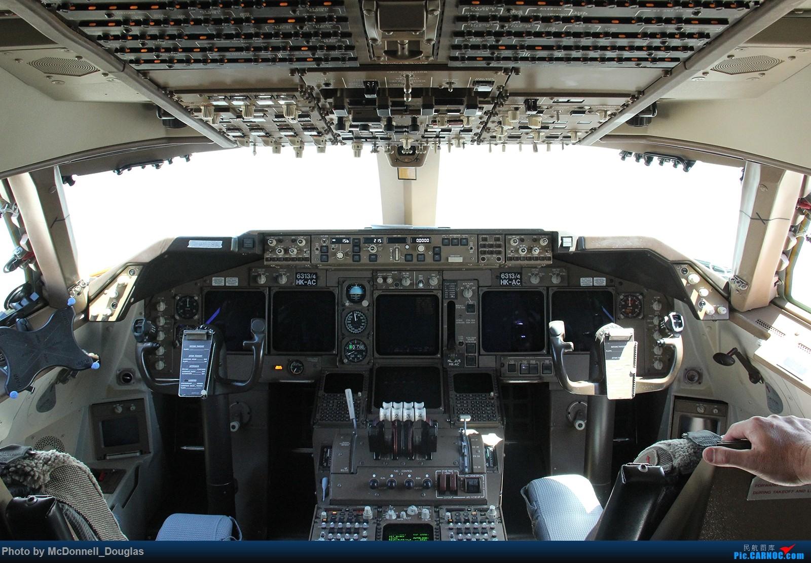 Re:[原创]【上海飞友会】图会很多,也有很多驾驶舱,杂七杂八的美帝,梦寐以求的圣马丁,这更绝不弃贴,前十个id砸飞机砸一个返一个【驾驶舱已出现】 BOEING747-451 N673US 美国底特律都会韦恩郡机场