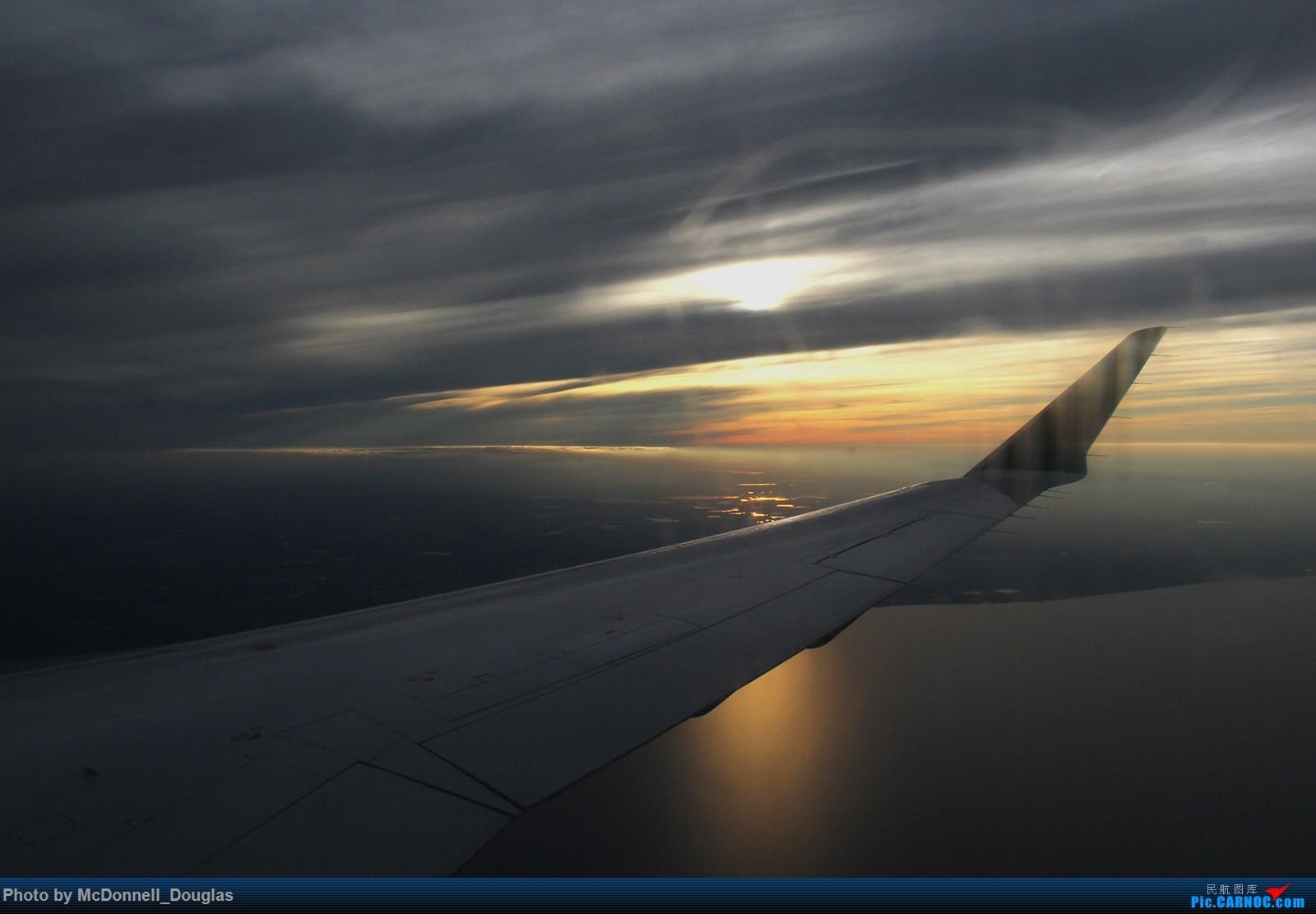 Re:[原创]【上海飞友会】图会很多,也有很多驾驶舱,杂七杂八的美帝,梦寐以求的圣马丁,这更绝不弃贴【驾驶舱已出现】 CANADAIR CL-602-2D24 REGIONAL JET CRJ-900LR N554CA