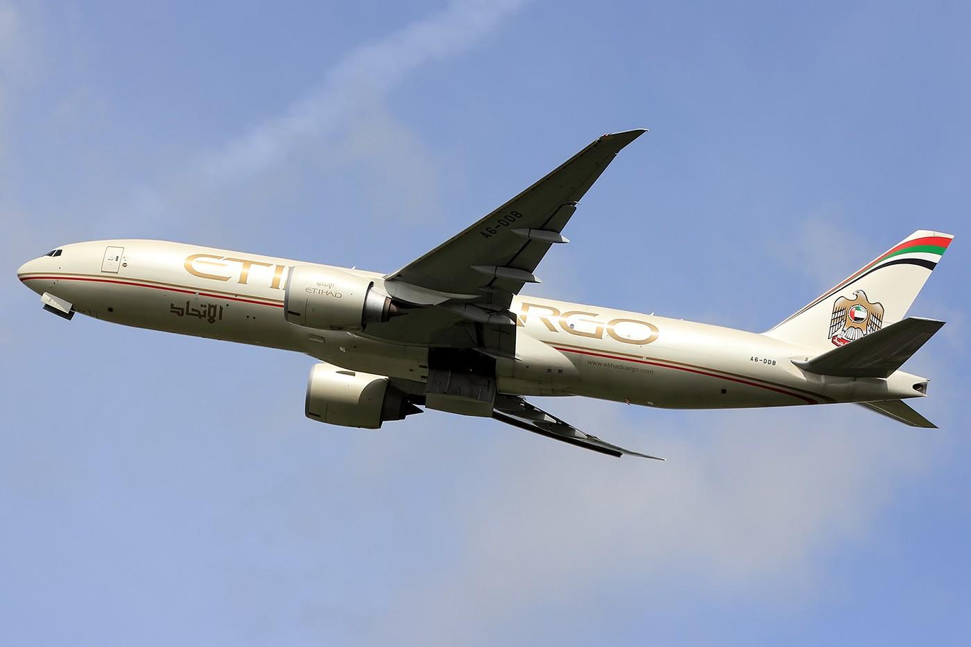Re:[原创]【AMS】阿姆斯特丹常规卡狗一组 1400*933 BOEING 777-200 A6-DDB 荷兰阿姆斯特丹史基浦机场