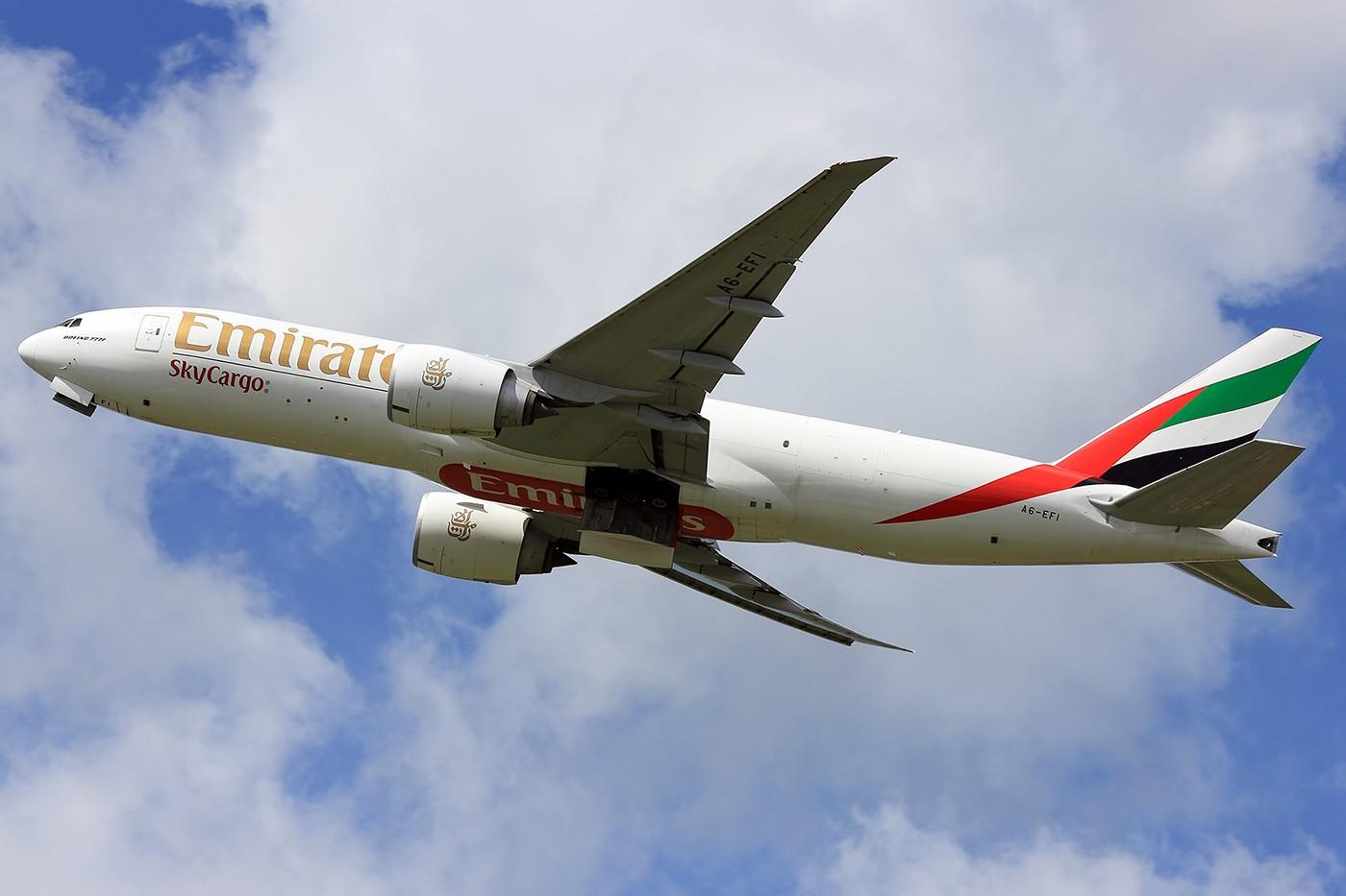 Re:[原创]【AMS】阿姆斯特丹常规卡狗一组 1400*933 BOEING 777-200 A6-EFI 荷兰阿姆斯特丹史基浦机场