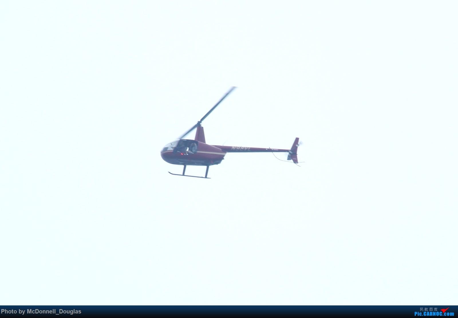 Re:[原创]【上海飞友会】图会很多,也有很多驾驶舱,杂七杂八的美帝,梦寐以求的圣马丁,这更绝不弃贴【驾驶舱已出现】 ROBINSON R-44 N98VL Offport