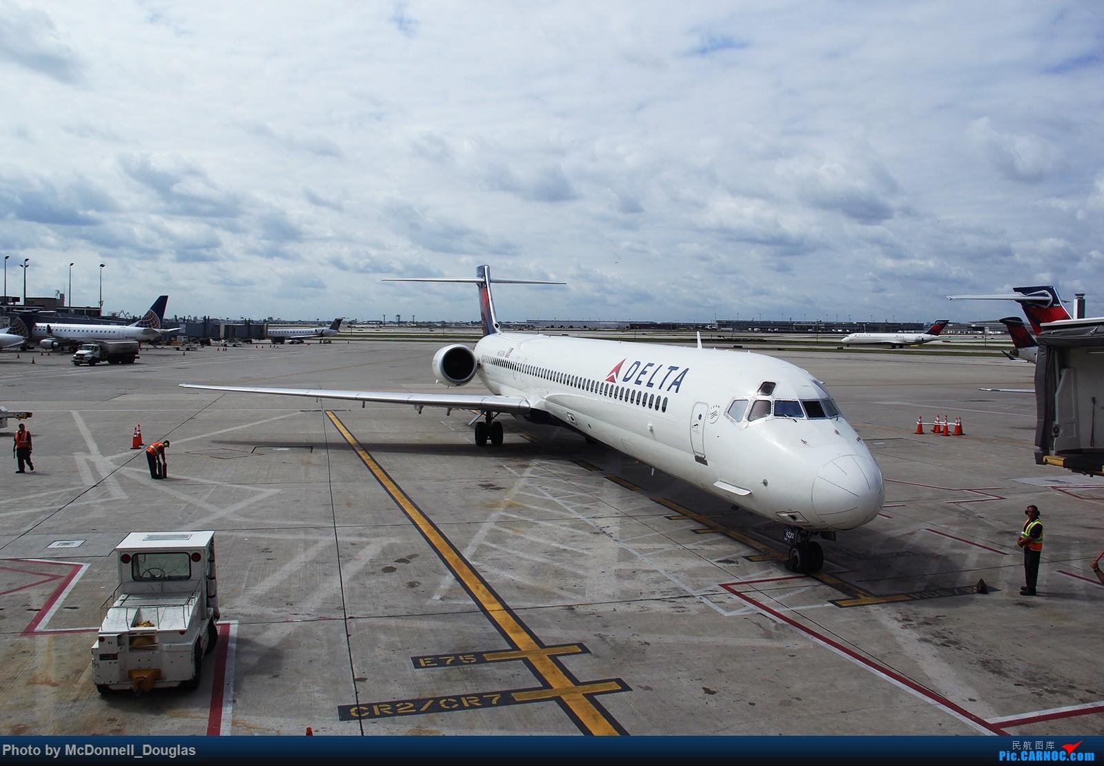 Re:[原创]【上海飞友会】图会很多,也有很多驾驶舱,杂七杂八的美帝,梦寐以求的圣马丁,这更绝不弃贴【驾驶舱已出现】 MCDONNELL DOUGLAS MD-90-30 N920DN 美国芝加哥奥黑尔国际机场