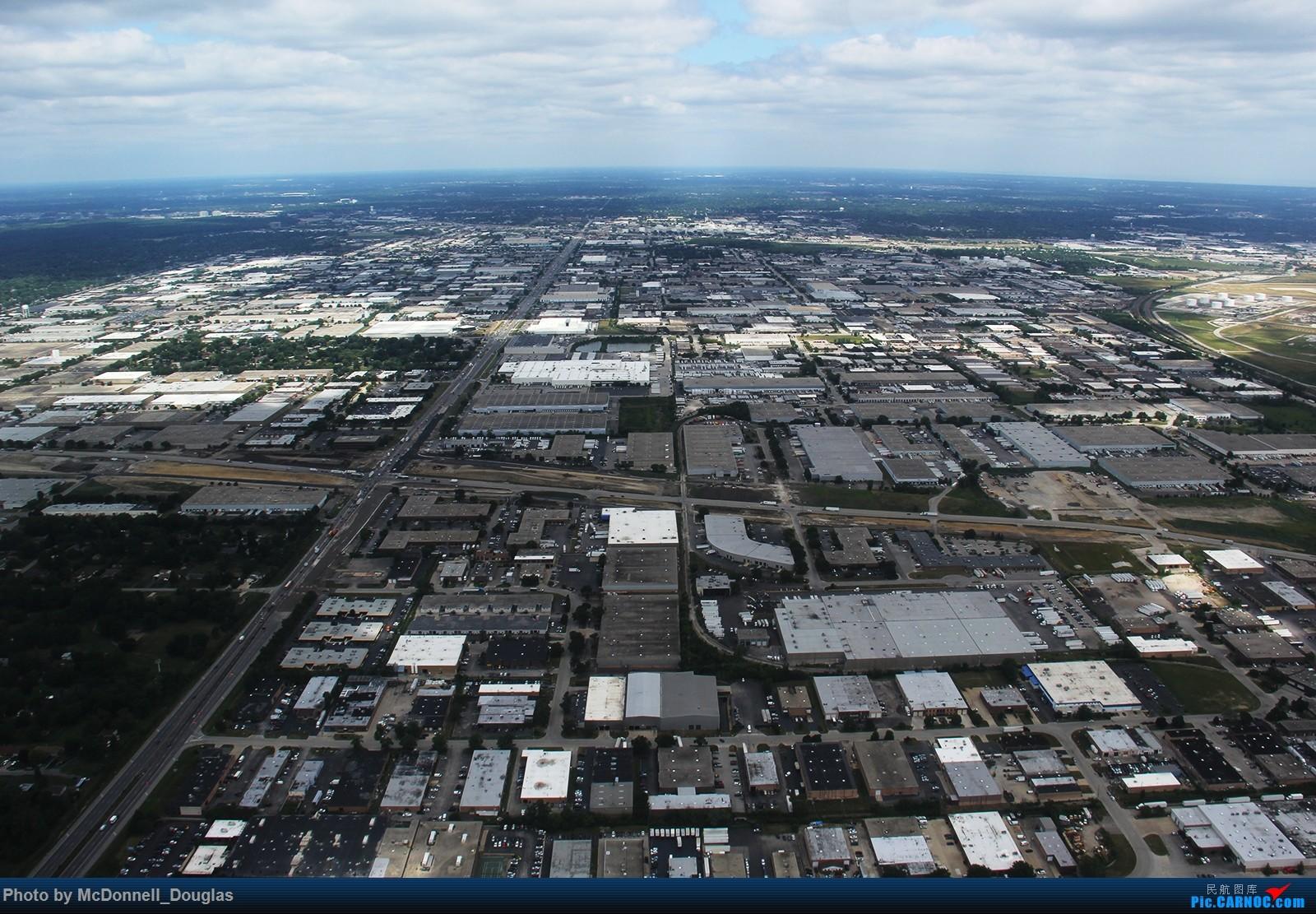 Re:[原创]【上海飞友会】图会很多,也有很多驾驶舱,杂七杂八的美帝,梦寐以求的圣马丁,这更绝不弃贴【驾驶舱已出现】 BOEING717-2BD N953AT 美国芝加哥奥黑尔国际机场