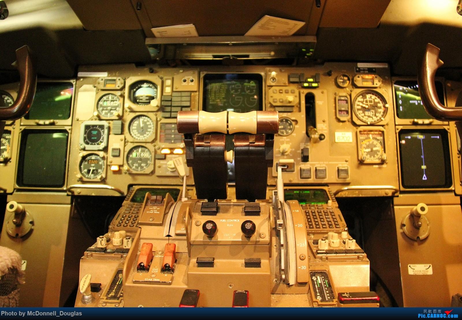 Re:[原创]【上海飞友会】图会很多,也有很多驾驶舱,杂七杂八的美帝,梦寐以求的圣马丁,这更绝不弃贴【驾驶舱已出现】 BOEING757-232 N6702 美国亚特兰大哈兹菲尔德-杰克逊国际机场