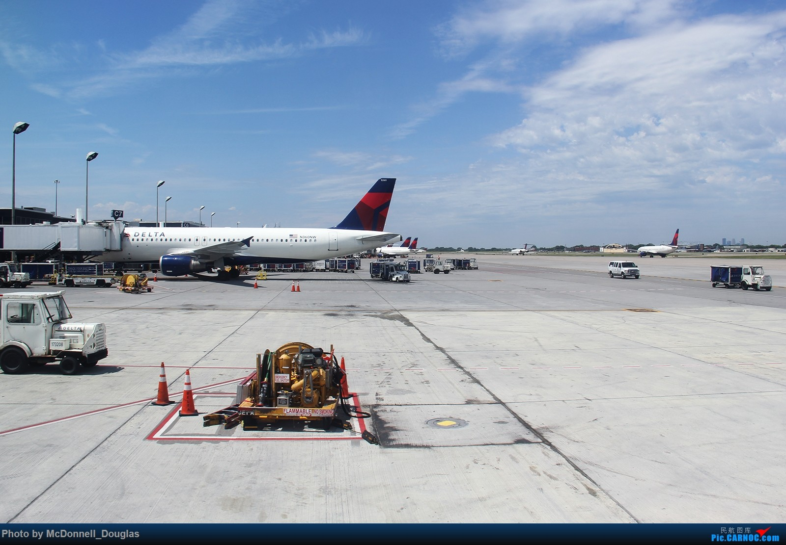 Re:[原创]【上海飞友会】图会很多,也有很多驾驶舱,杂七杂八的美帝,梦寐以求的圣马丁,这更绝不弃贴【驾驶舱已出现】 AIRBUS A320-212 N360NW 美国明尼阿波利斯—圣保罗机场