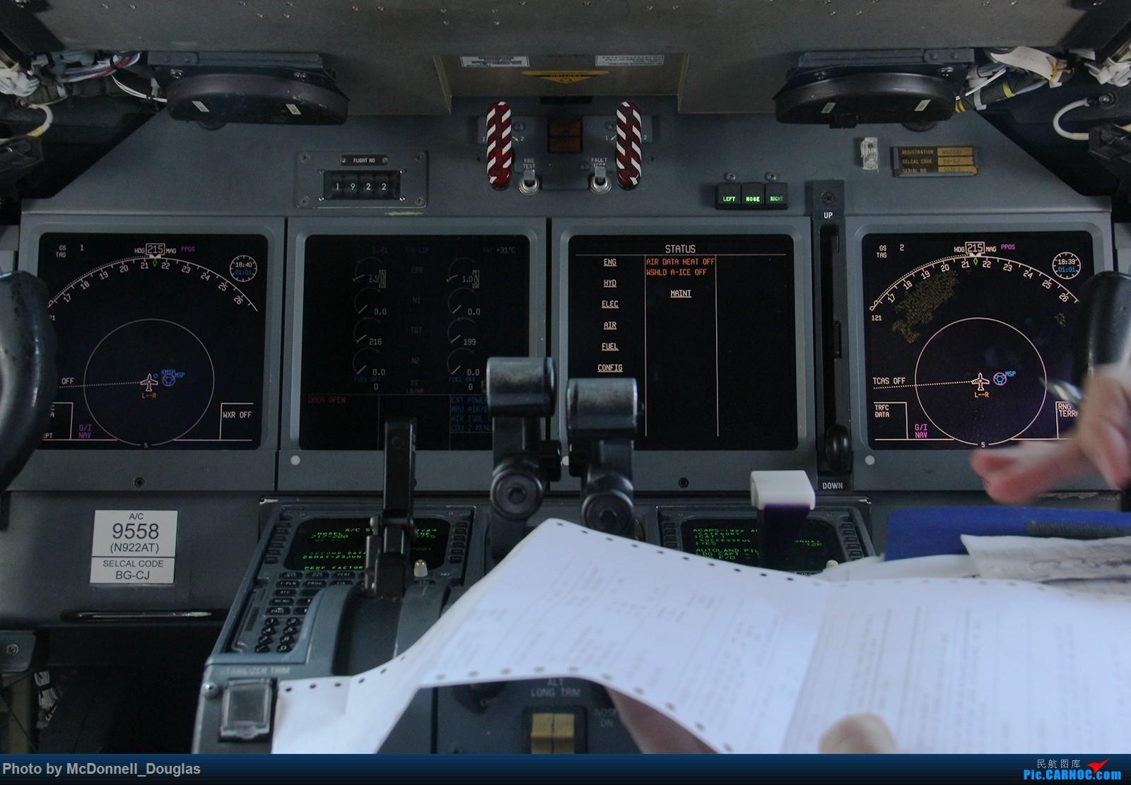 Re:[原创]【上海飞友会】图会很多,也有很多驾驶舱,杂七杂八的美帝,梦寐以求的圣马丁,这更绝不弃贴【驾驶舱已出现】 BOEING717-2BD N922AT 美国明尼阿波利斯—圣保罗机场