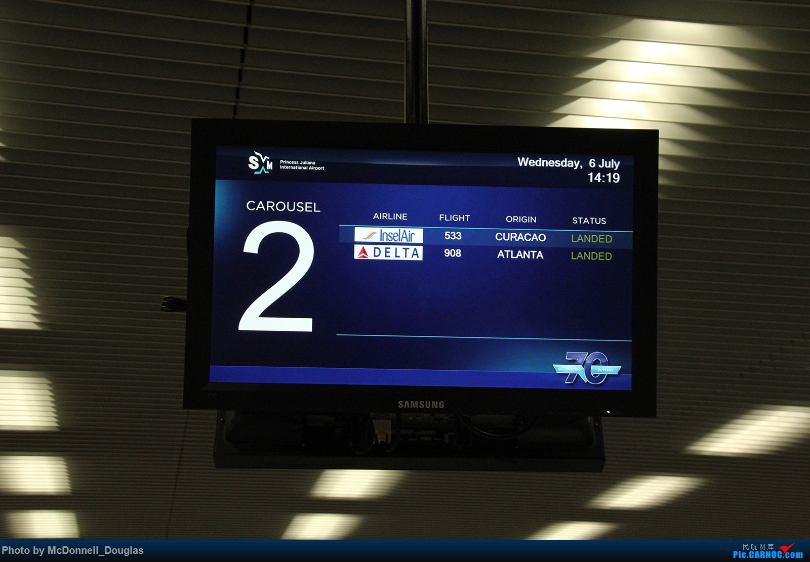 Re:[原创]【上海飞友会】图会很多,也有很多驾驶舱,杂七杂八的美帝,梦寐以求的圣马丁,这更绝不弃贴【驾驶舱已出现】【已更新至圣马丁部分】 BOEING737-732 N301DQ 荷属安的列斯群岛朱利安娜公主机场 荷属安的列斯群岛朱利安娜公主机场