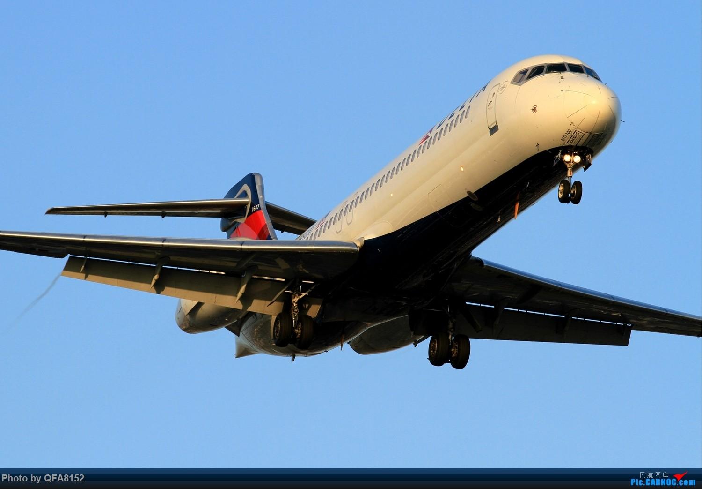 Re:[原创]突然就想发个帖 BOEING 717-200  美国洛杉矶机场