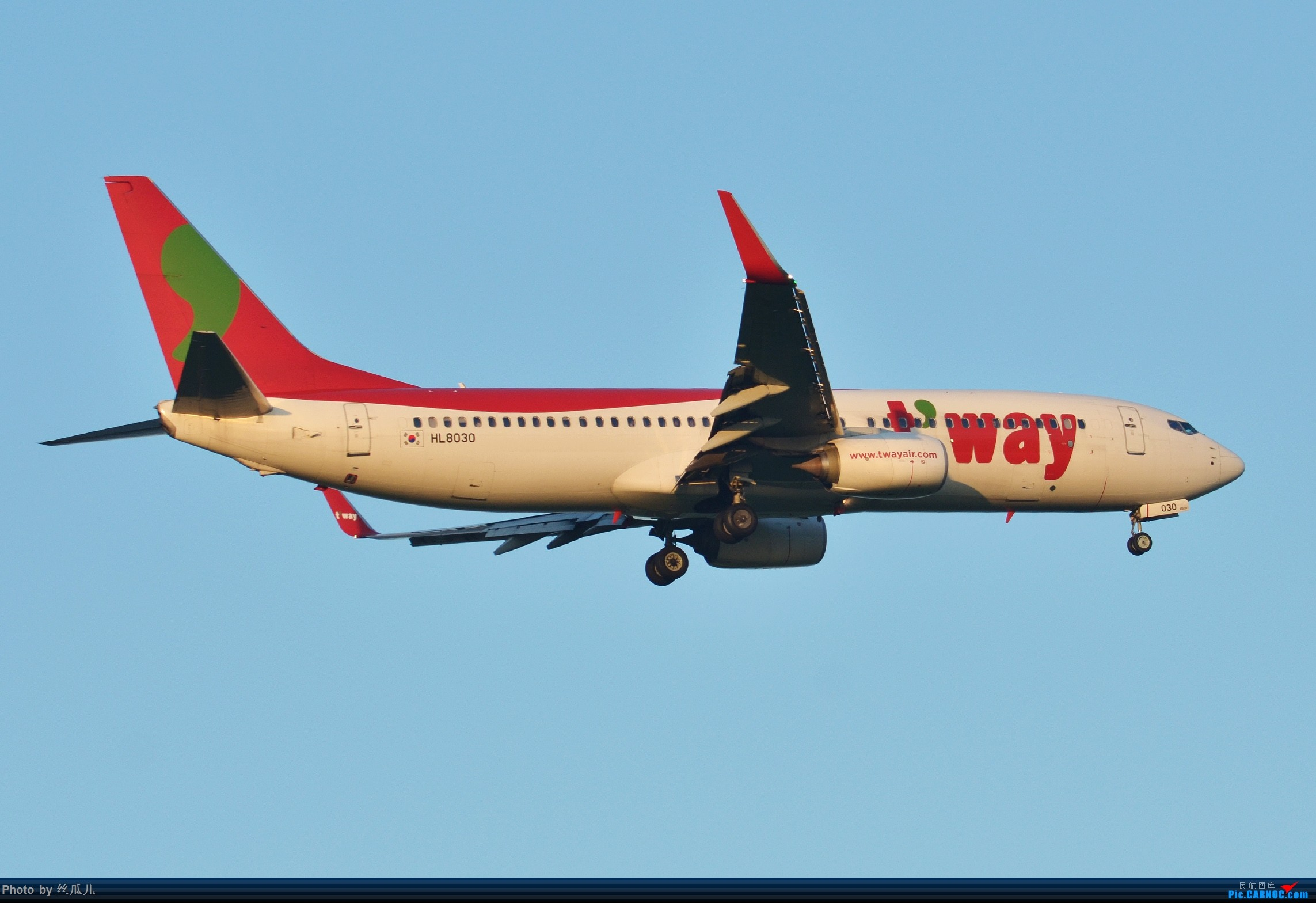 Re:【徘徊在HGH的丝瓜】瓜哥的高温福利继续发--稀罕的一抹红棒子机--感谢可爱的969的关键提示 BOEING 737-800 HL8030 中国上海浦东国际机场