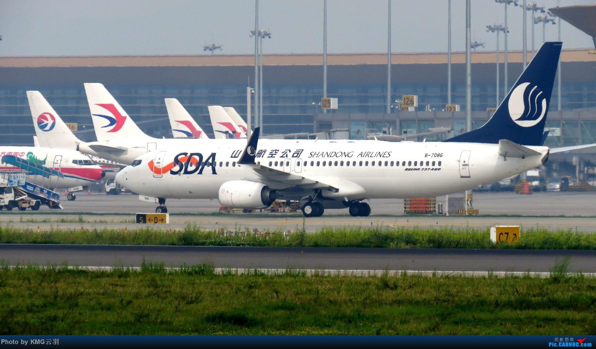 Re:[原创]KMG东跑随拍 BOEING 737-800 B-7086 中国昆明长水国际机场