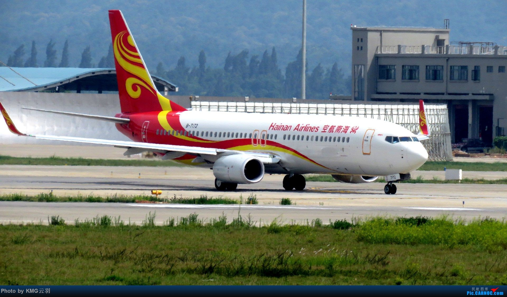 Re:[原创]KMG东跑随拍 BOEING 737-800 B-7172 中国昆明长水国际机场