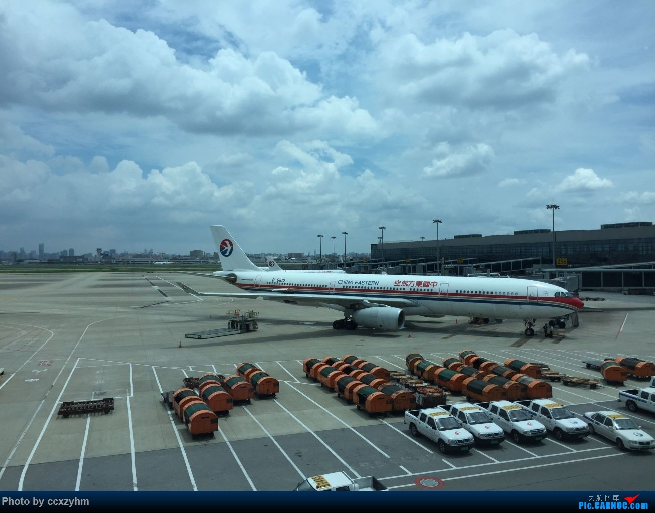 Re:[原创]论坛首发 京沪线上的国航789 高二升高三暑假短Break 空铁联运去北京 AIRBUS A330-300 B-6100 中国上海虹桥国际机场