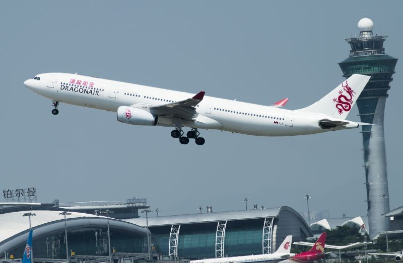 Re:[原创]广州拍机—港龙330 AIRBUS A330-300 B-HLC 中国广州白云国际机场