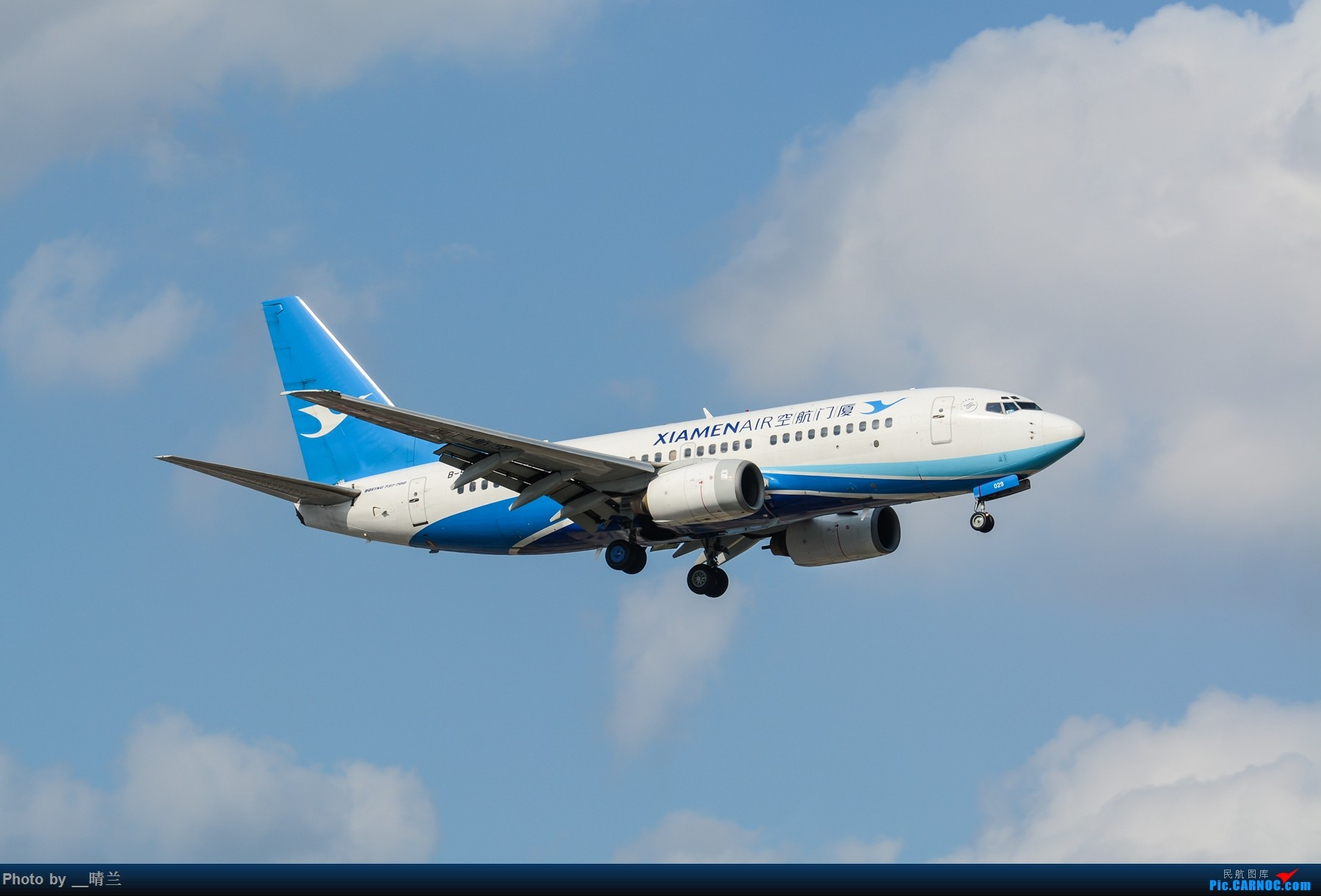 Re:[原创]果然昨天发了图,今天SHA就是大蓝天~~最开心的事莫过于基友们一起拍机! BOEING 737-700 B-5029 中国上海虹桥国际机场