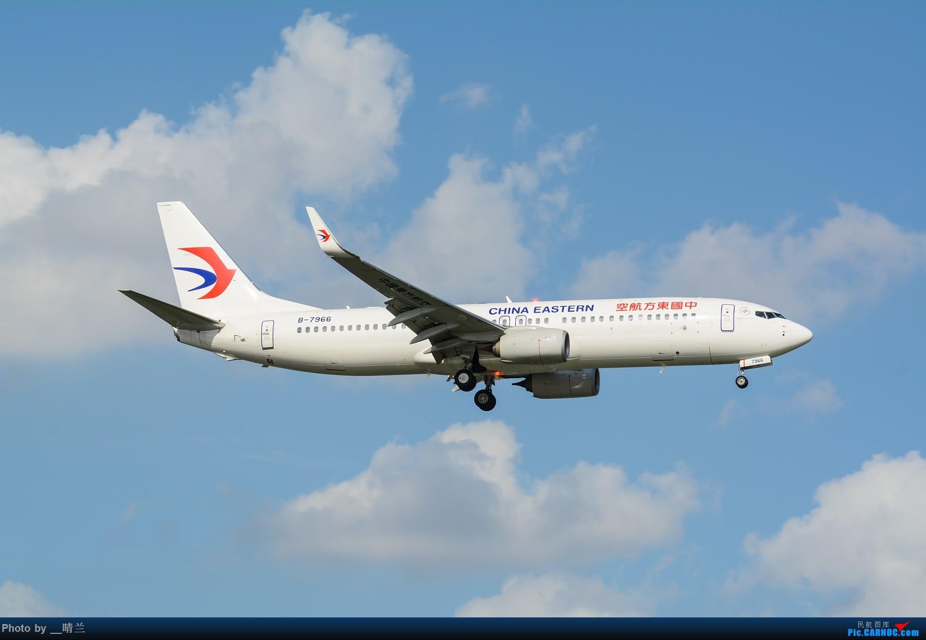 Re:[原创]果然昨天发了图,今天SHA就是大蓝天~~最开心的事莫过于基友们一起拍机! BOEING 737-800 B-7966 中国上海虹桥国际机场