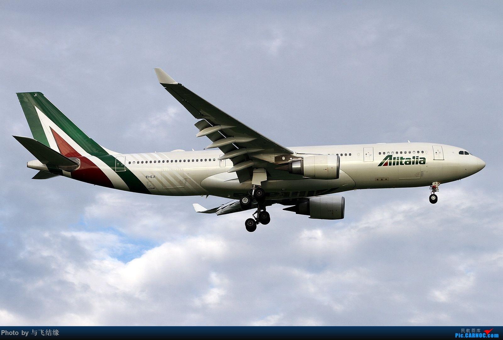 Re:[原创]新旧涂装的意大利航空空客A332四图。 AIRBUS A330-200 EI-EJI 中国北京首都国际机场