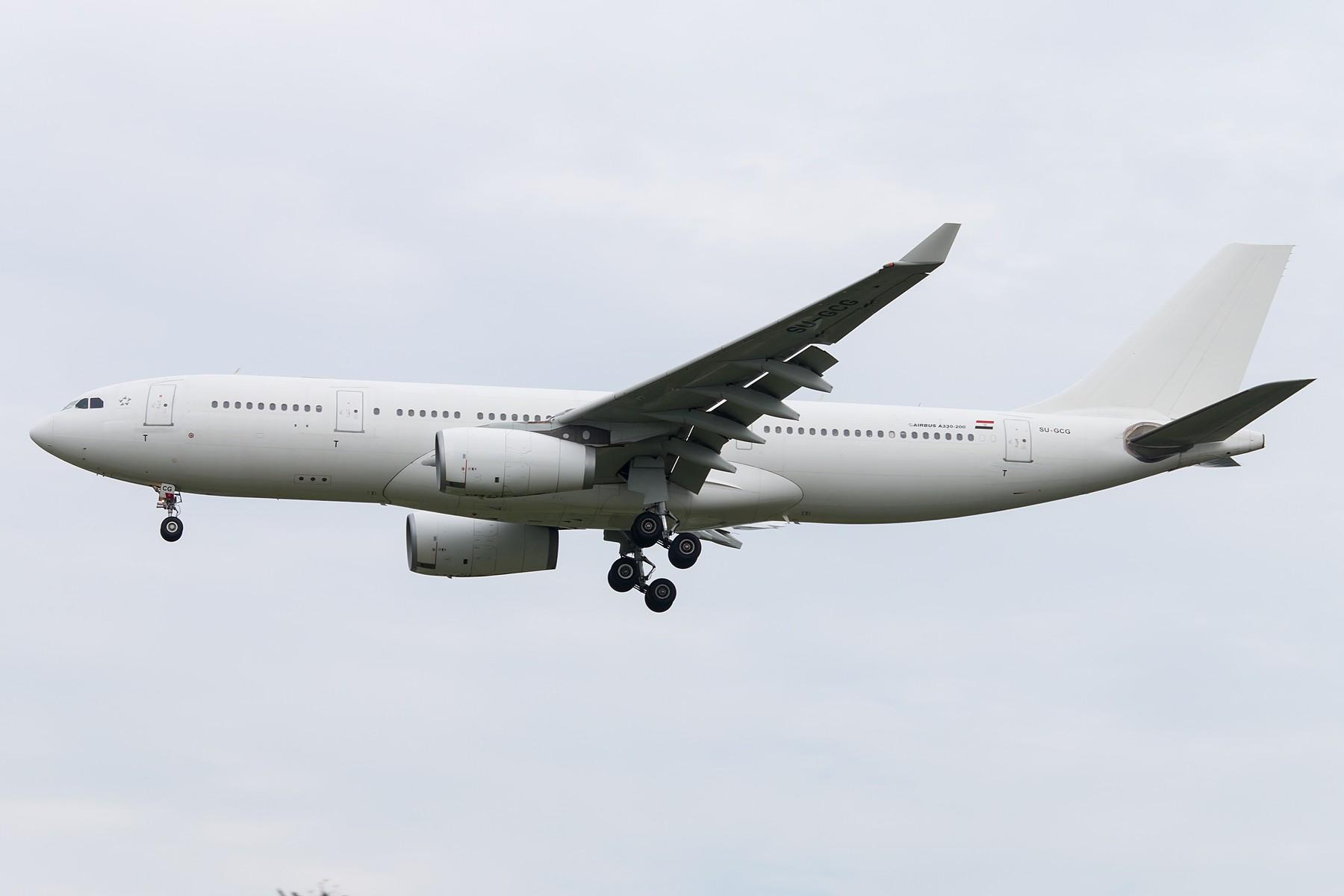 俩老外 1800*1200 AIRBUS A330-200 SU-GCG 中国北京首都国际机场