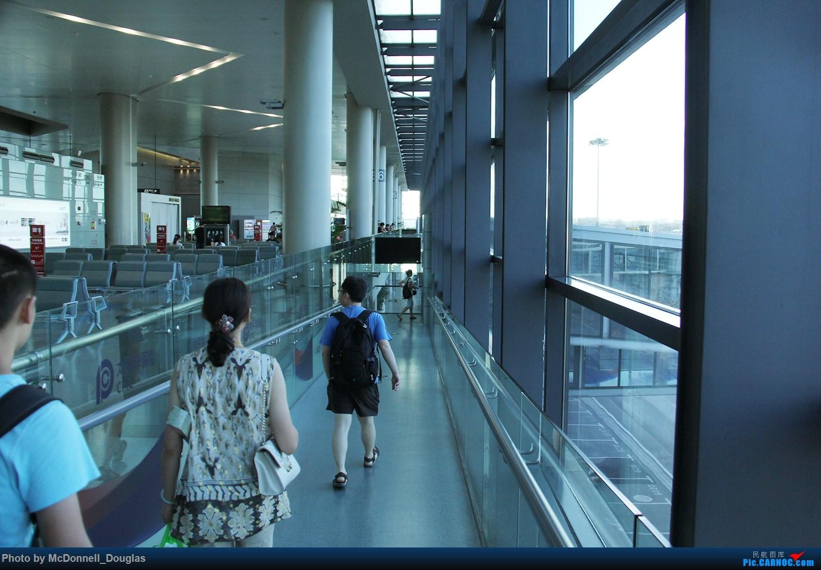 Re:[原创]【上海飞友会】【zc带你走天下(2)】再访祖辈年轻时工作的土地,父母年少时生活戈壁,跨越大半个中国去看新疆,回程小游蓉城(上)    中国上海虹桥国际机场
