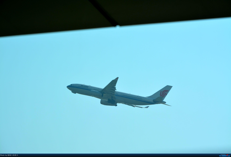Re:[原创]迟到帖--空铁联运,空客380商务舱初体验 AIRBUS A330-200 B-6081