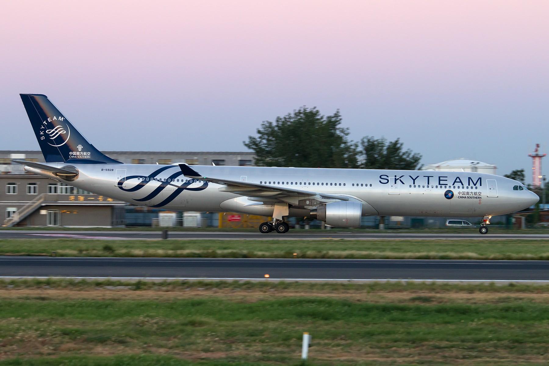 [原创][一图党] B-5928 1800*1200 AIRBUS A330-300 B-5928 中国北京首都国际机场