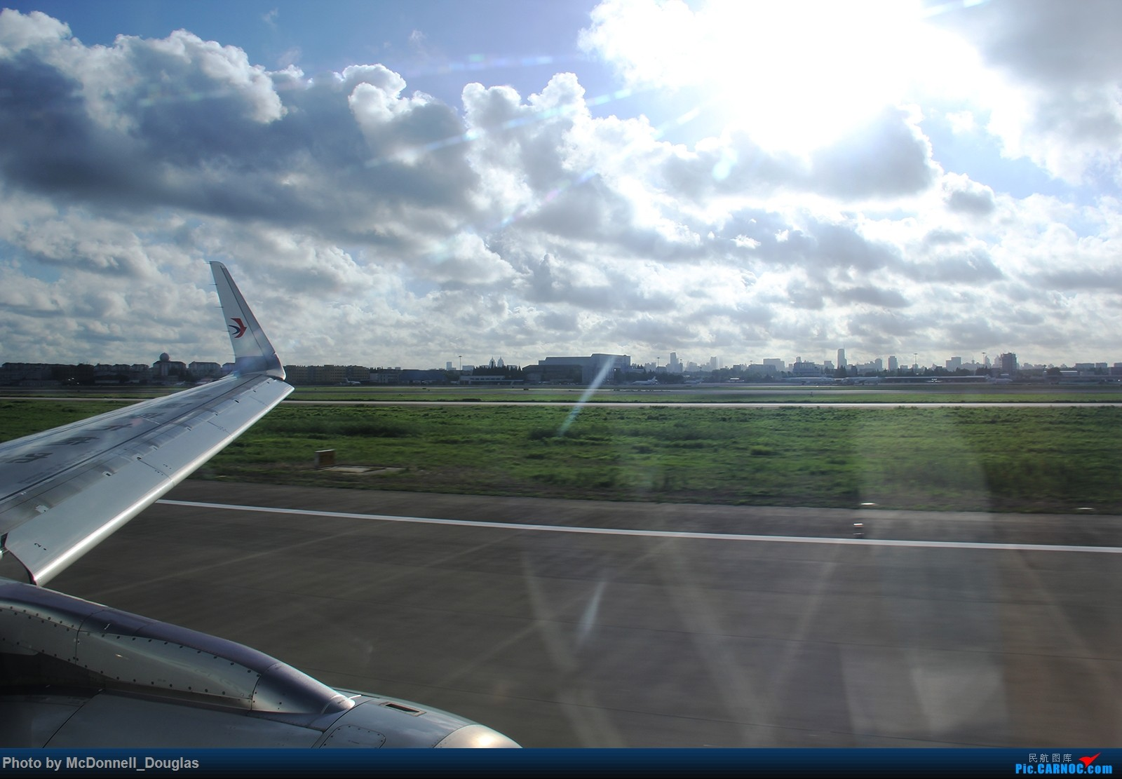 Re:[原创]【上海飞友会】【zc带你走天下(2)】再访祖辈年轻时工作的土地,父母年少时生活戈壁,跨越大半个中国去看新疆,回程小游蓉城(上) AIRBUS A320-232 B-8237 中国上海虹桥国际机场