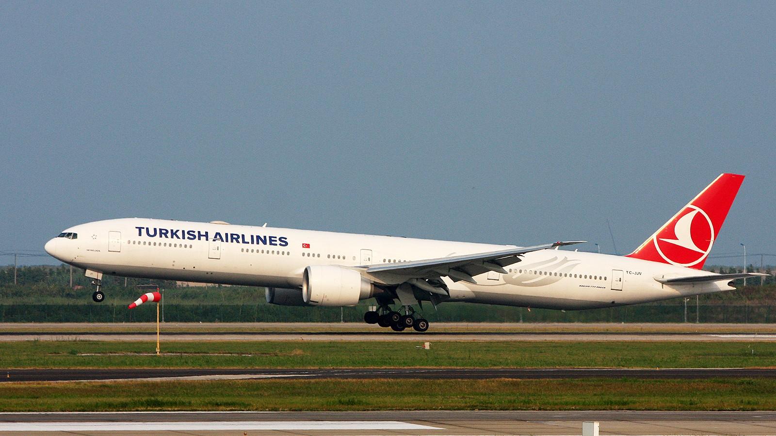 Re:[原创]天气欠佳,深入PVG,34端拍机 BOEING 777-300ER TC-JJV 中国上海浦东国际机场