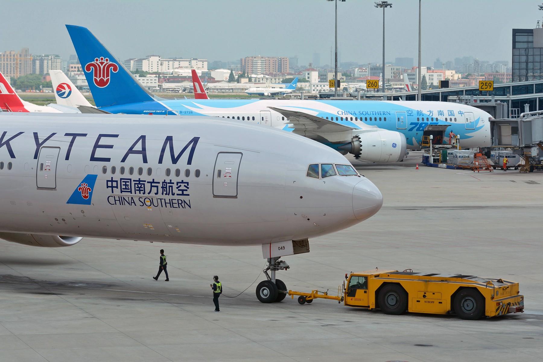[原创]【SHA】一图党之假装在CAN BOEING 777-300ER B-2049 中国上海虹桥国际机场