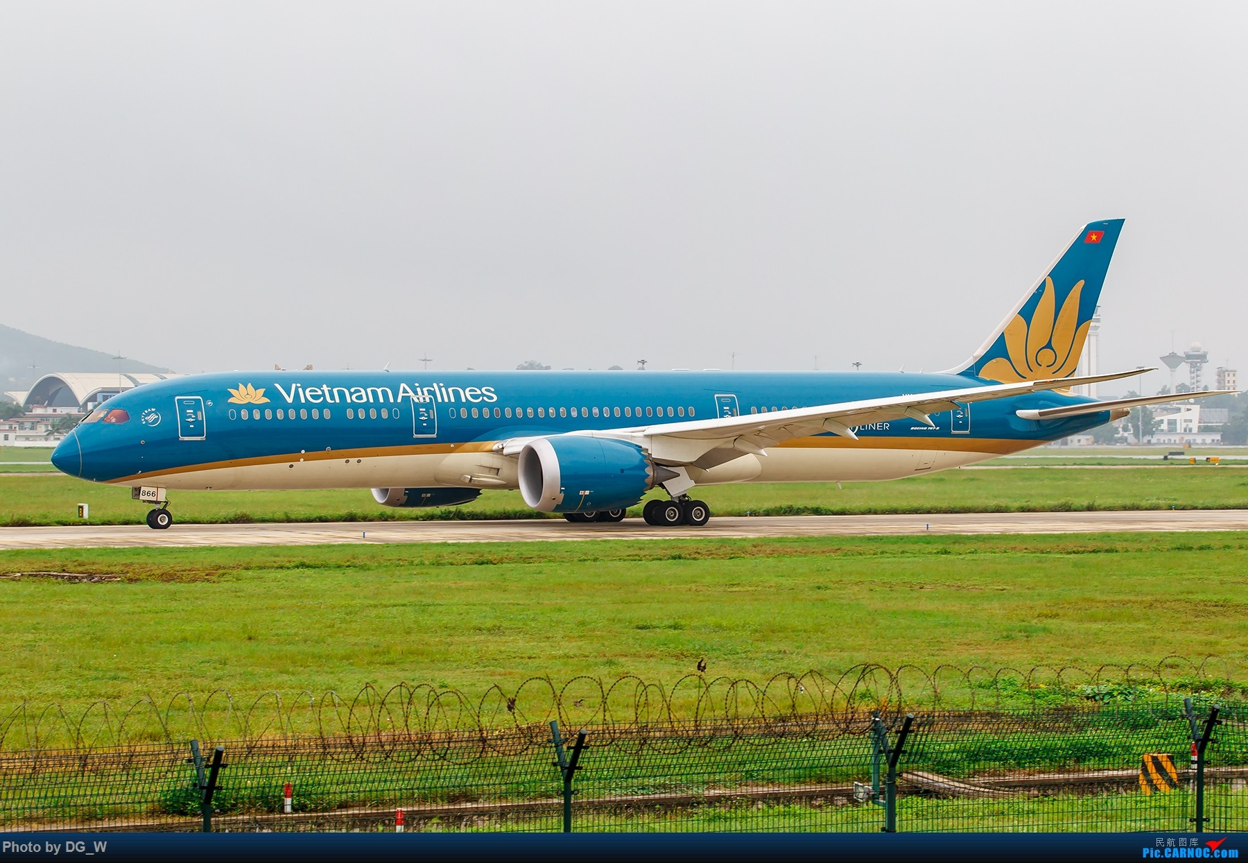 Re:【南宁飞友】烂天有好货,守候两天,再次等来越航789 BOEING 787-9 VN-A866 中国南宁吴圩国际机场