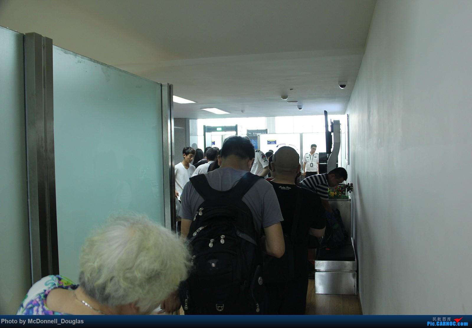Re:[原创]【上海飞友会】【zc带你走天下(2)】再访祖辈年轻时工作的土地,父母年少时生活戈壁,跨越大半个中国去看新疆,回程小游蓉城(上)    中国乌鲁木齐地窝堡国际机场