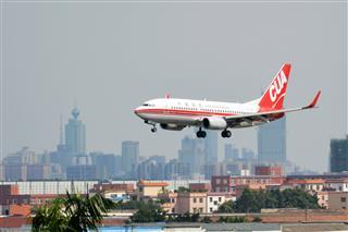 地标建筑+飞机=完美!