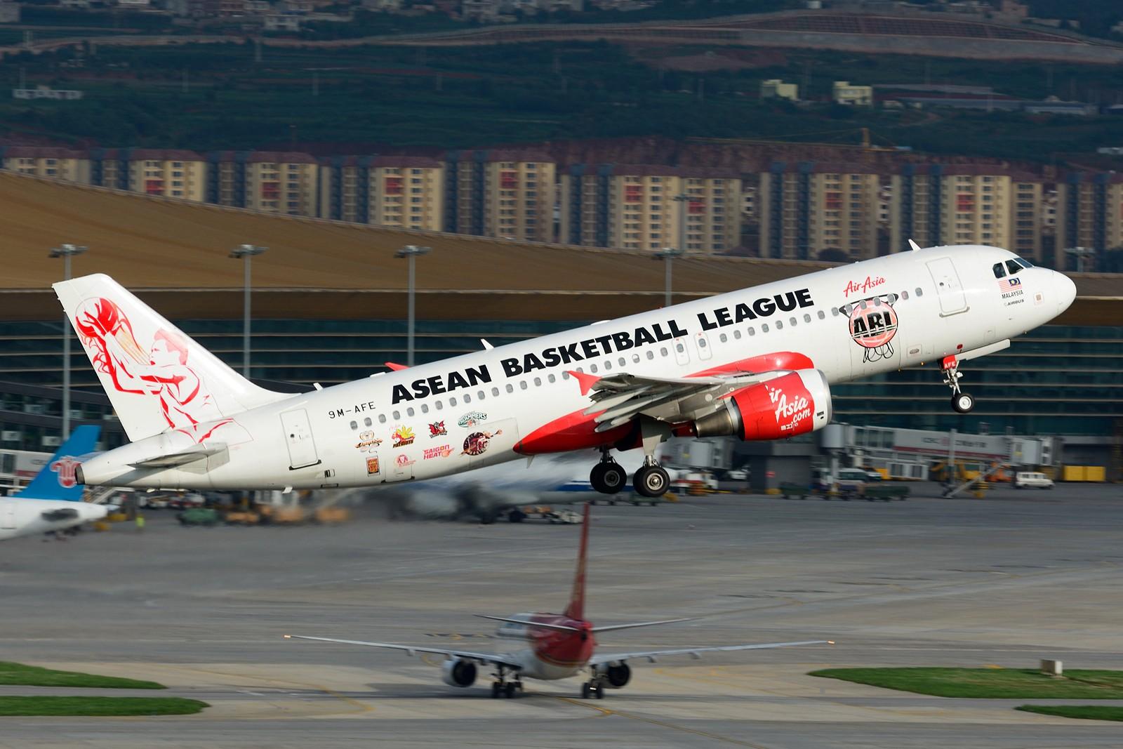 Re:[原创]【KMG】发几张长水的存货,提前祝大家国庆快乐~~~ AIRBUS A320-200 9M-AFE 中国昆明长水国际机场