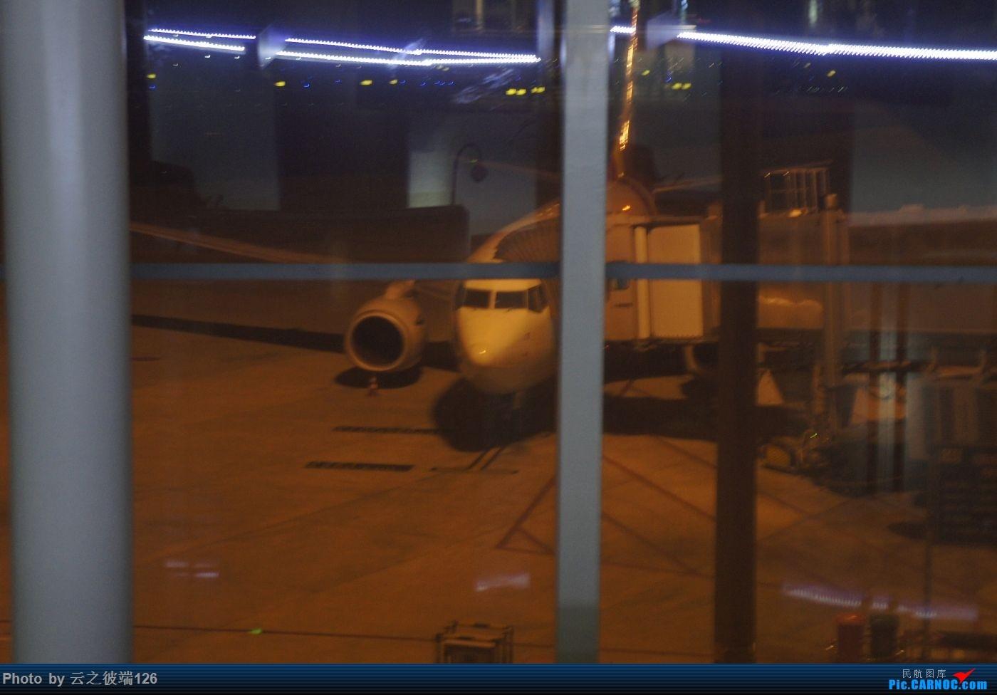 Re:[原创]KHN-CTU-JZH-CTU-NKG造访蜀地,体验世界里程最贵机票,多图 BOEING 737-700 B-5823 中国成都双流国际机场