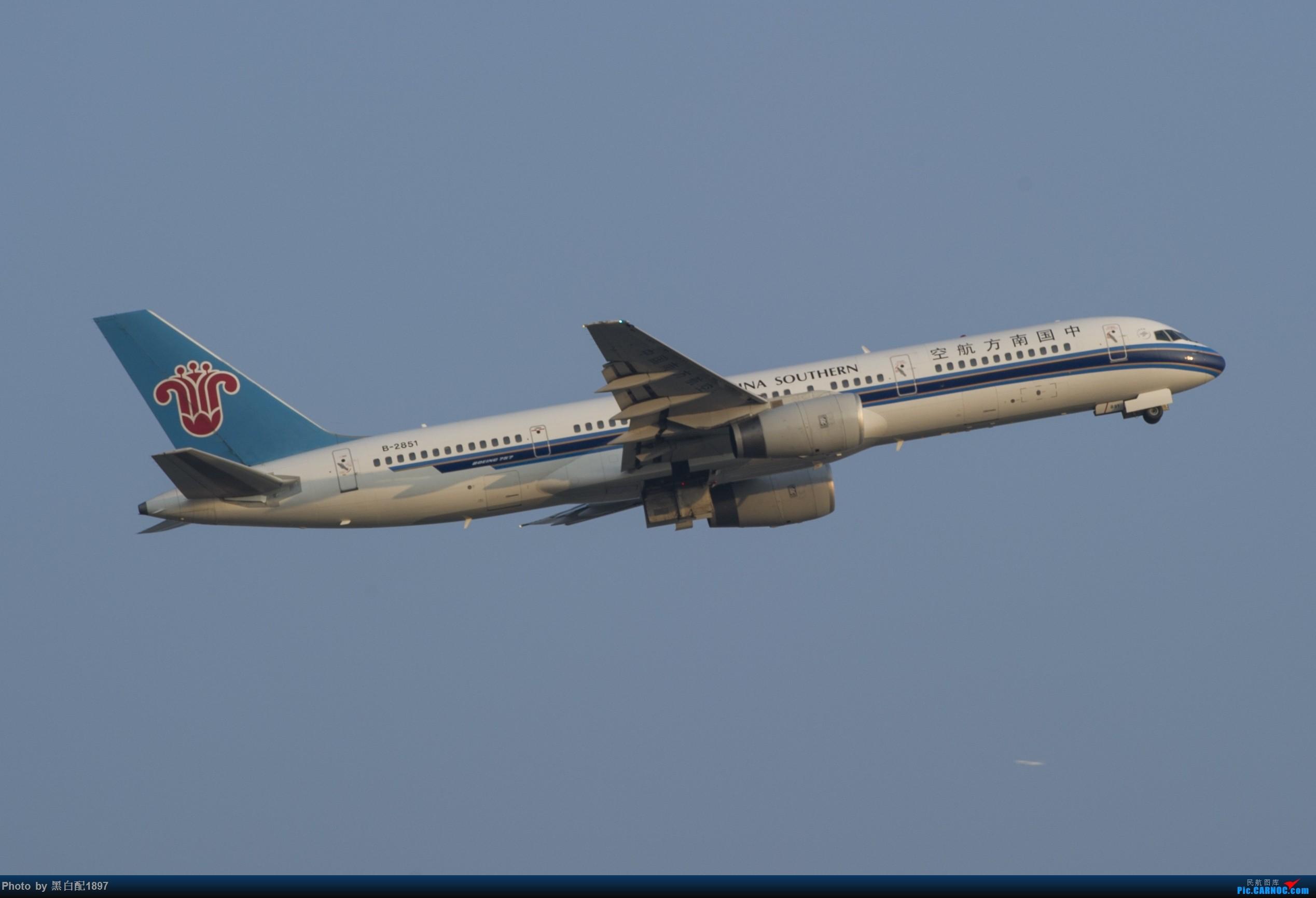 Re:[原创]国庆长水二日游之一 BOEING 757-200 B-2851 中国昆明长水国际机场