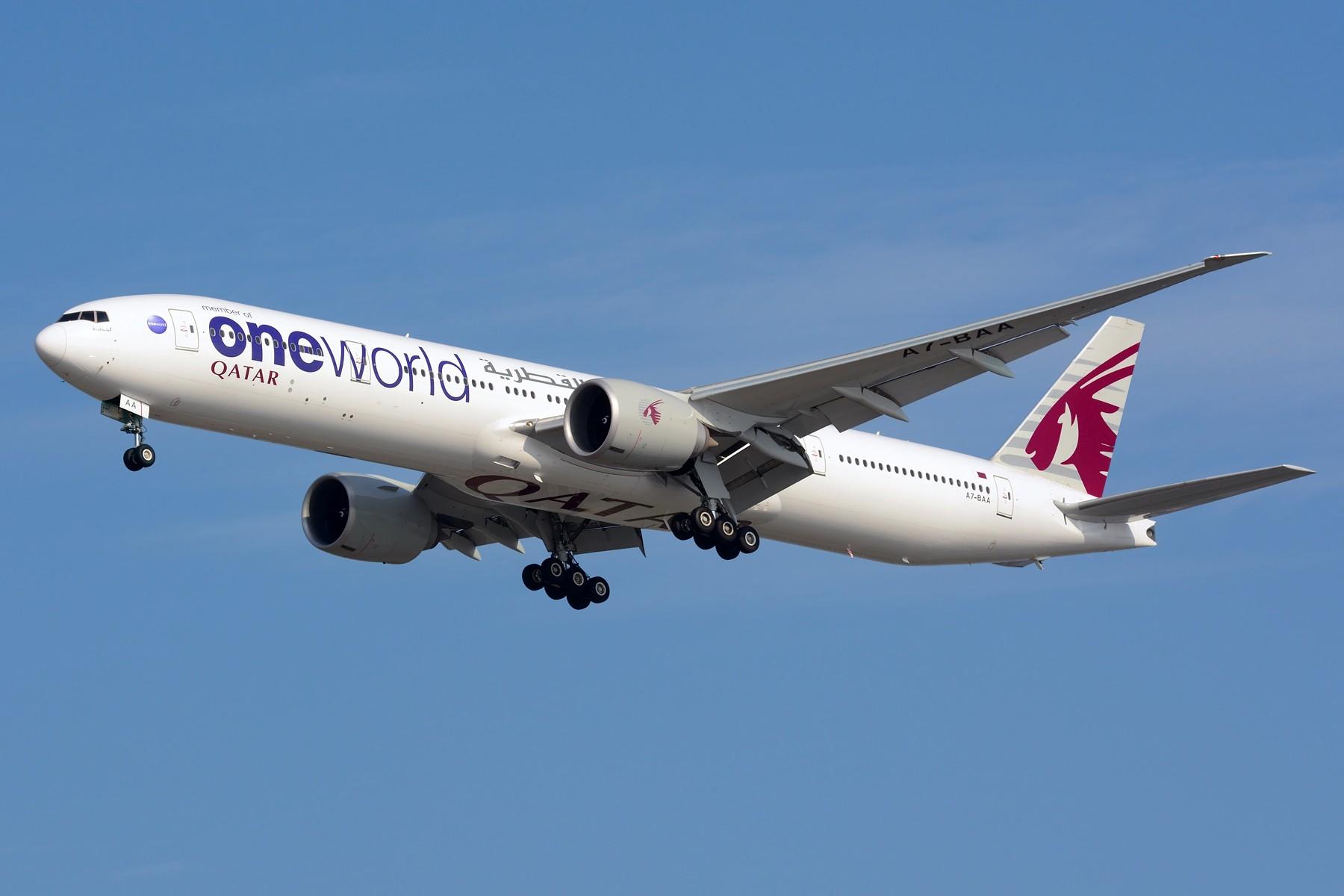 [原创]【PVG】几张宽体 BOEING 777-300ER A7-BAA 中国上海浦东国际机场