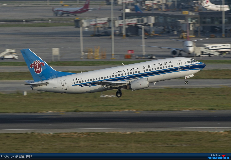 Re:[原创]国庆长水二日游之二 BOEING 737-300 B-2574 中国昆明长水国际机场