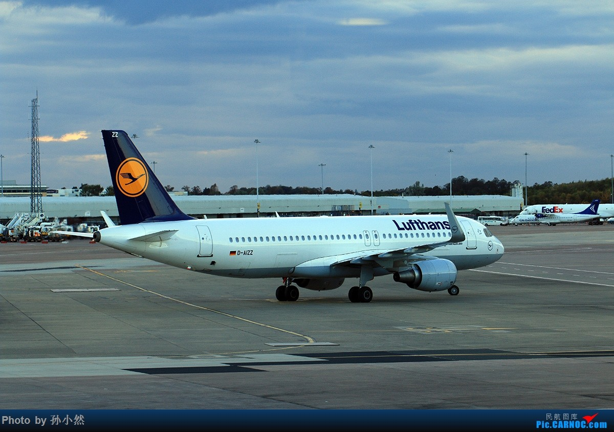 Re:[原创]曼彻斯特-哥本哈根-爱丁堡 MAN-CPH-EDI 欧洲自制铁空联运easyjet AIRBUS A320-200 D-AIZZ 英国曼彻斯特机场