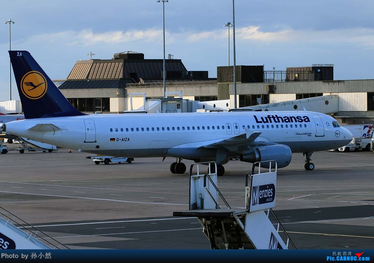 Re:[原创]曼彻斯特-哥本哈根-爱丁堡 MAN-CPH-EDI 欧洲自制铁空联运easyjet AIRBUS A320-200 D-AIZA 英国曼彻斯特机场