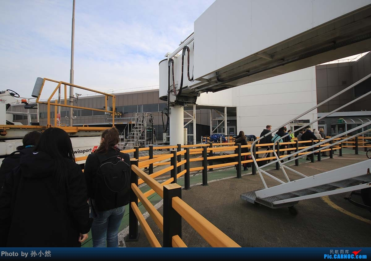 Re:[原创]曼彻斯特-哥本哈根-爱丁堡 MAN-CPH-EDI 欧洲自制铁空联运easyjet    英国爱丁堡机场