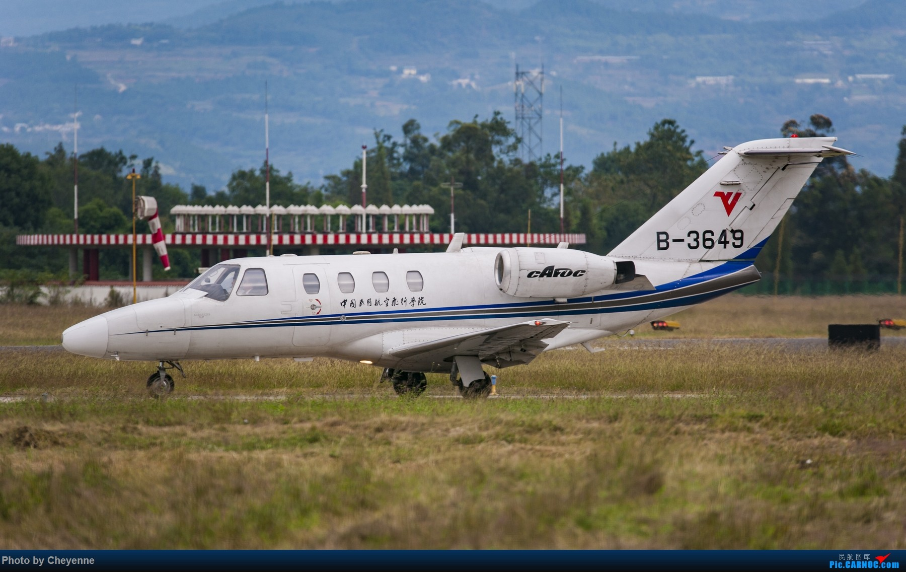 Re:[原创]【GHN】短杵杵脚杆些 CESSNA 525 CJ-1 B-3649 中国广汉机场