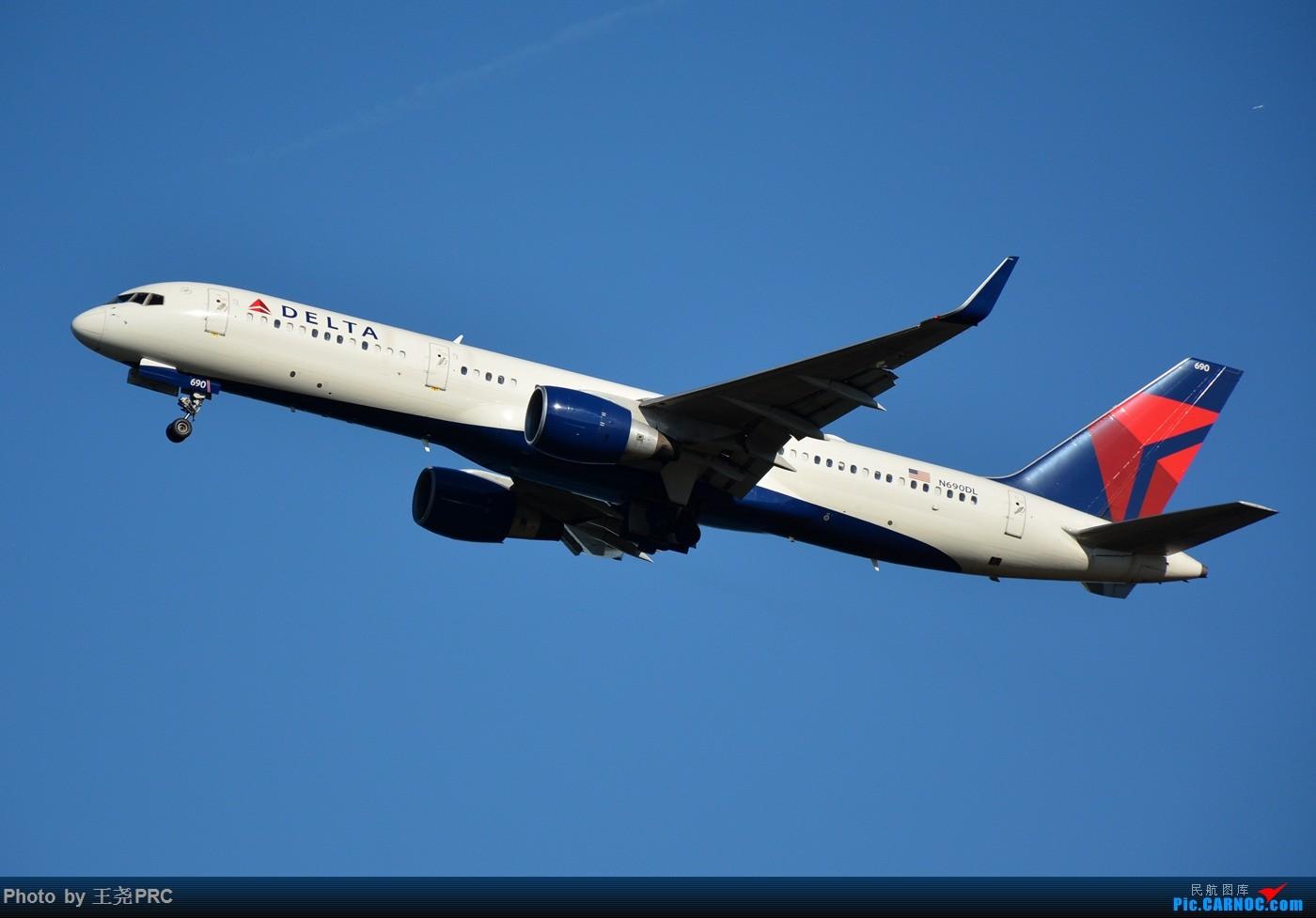 [原创]DCA拍机:蓝天下的华盛顿里根机场 BOEING 757-200 N690DL 华盛顿里根机场