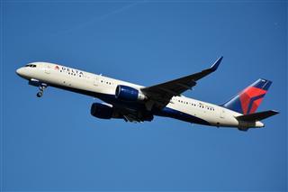 DCA拍机:蓝天下的华盛顿里根机场