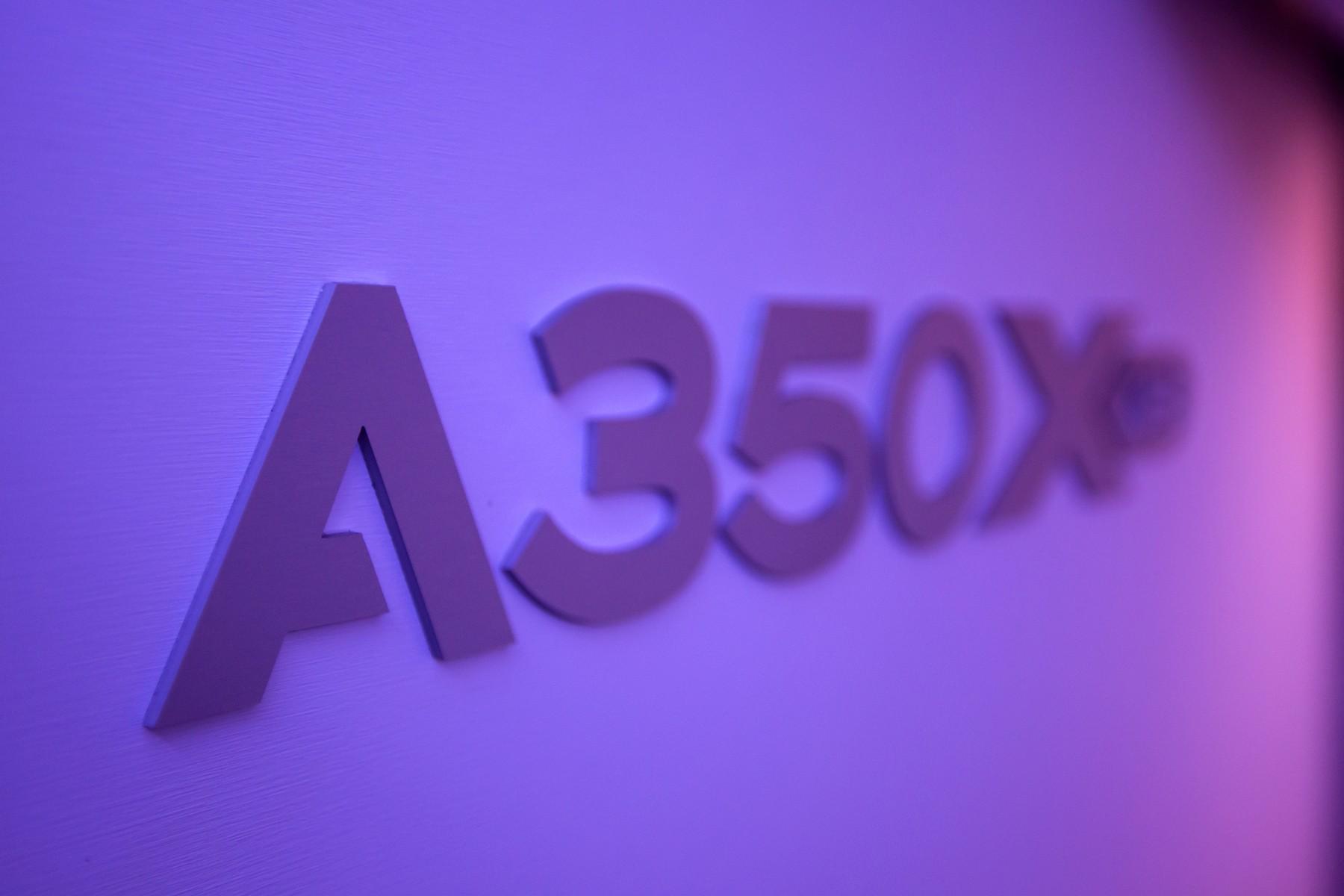 Re:[原创]A350XWB环球路演北京站 @ Ameco Beijing AIRBUS A350-941 F-WWCF 中国北京首都国际机场