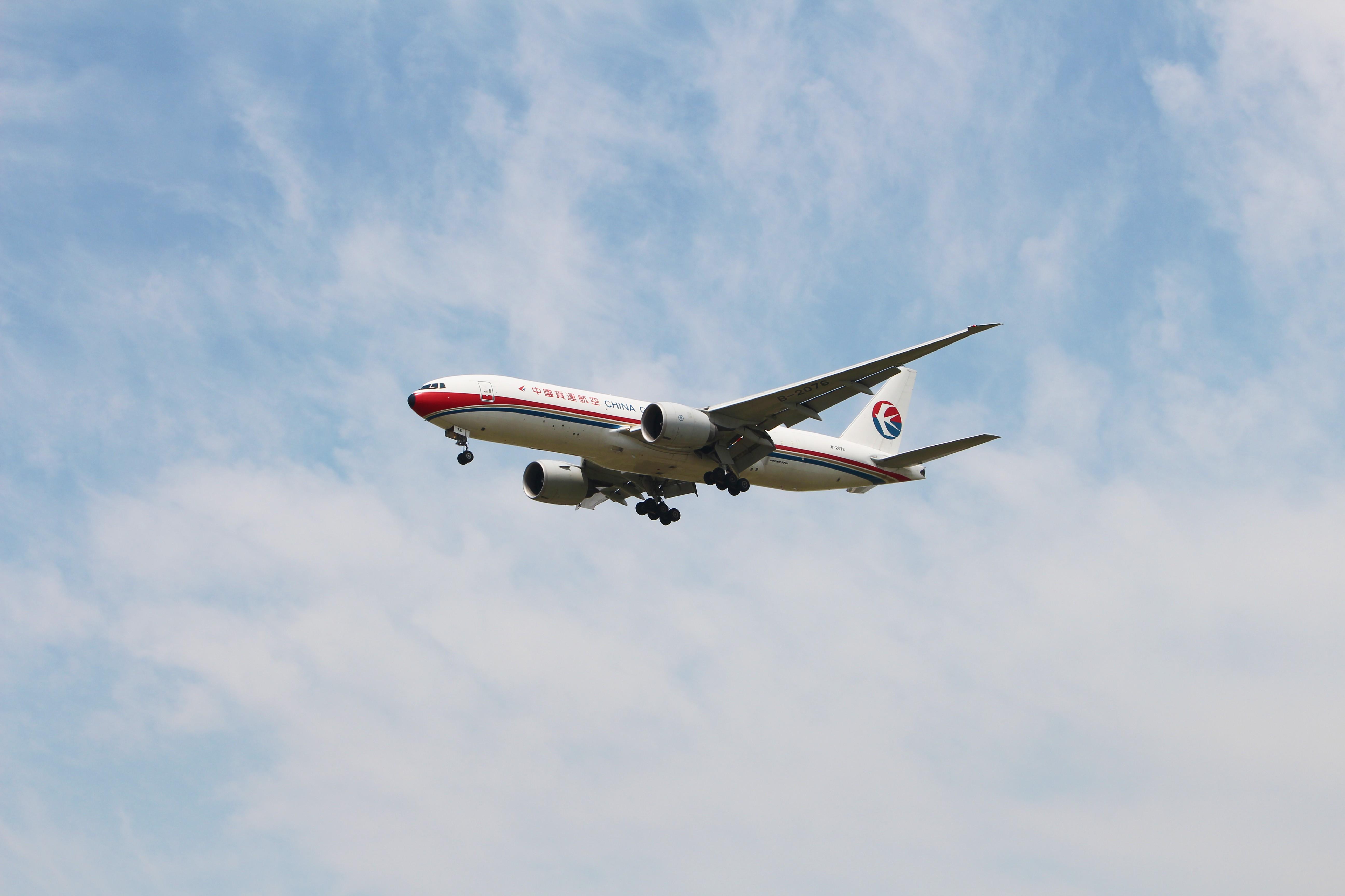 Re:[原创]浦东拍机大作战 BOEING 777-200F B-2076 中国上海浦东国际机场