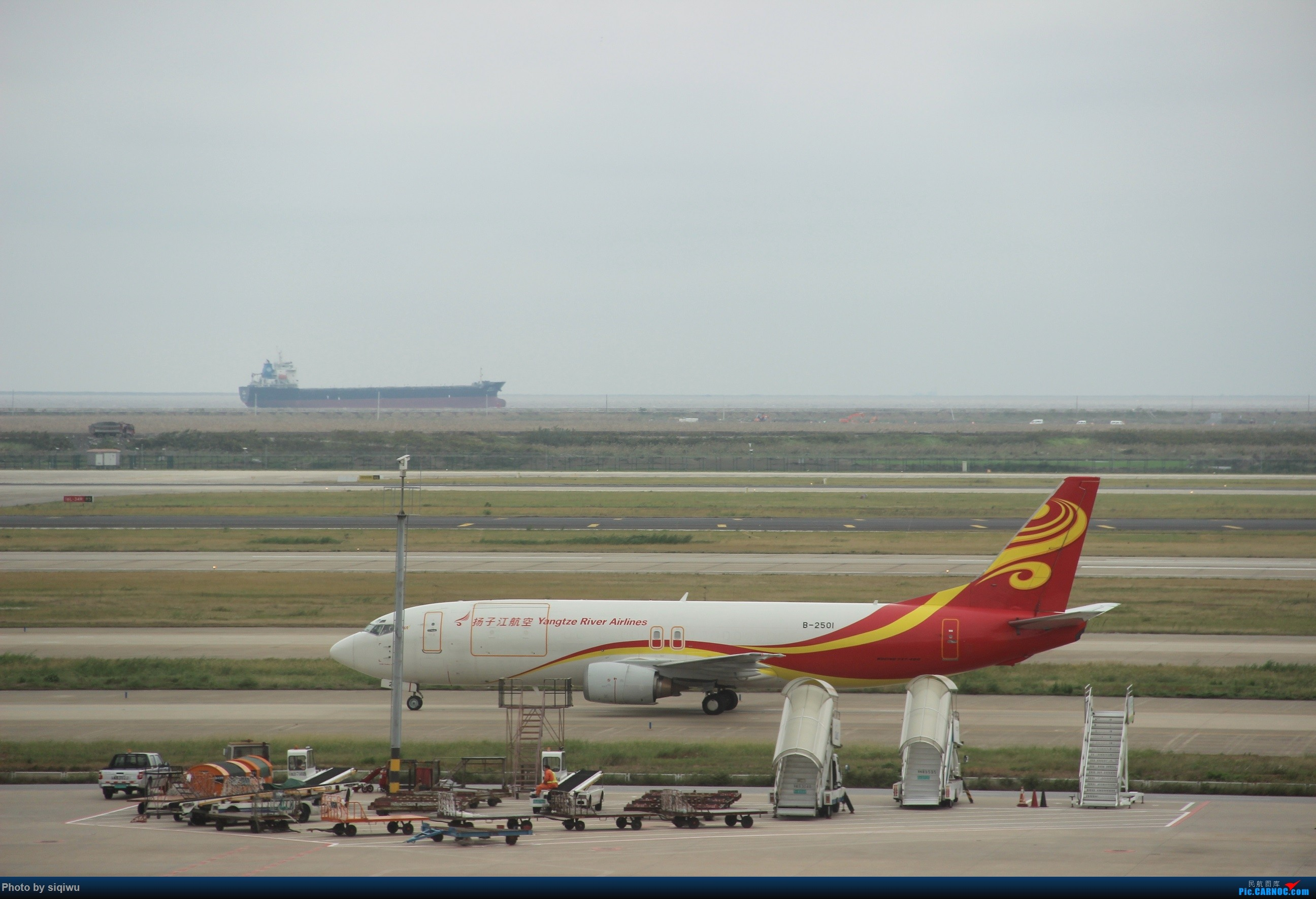 Re:[原创]PVG-HKG-KUL-HKG-PVG 四天往返,CX/KA BOEING 737-700  中国上海浦东国际机场